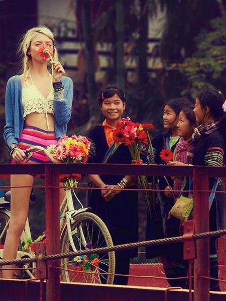 Việt Nam đẹp lung linh trên tạp chí thời trang nước ngoài