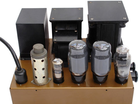 leak-tl12-point-one-ampli-bat-tu-7