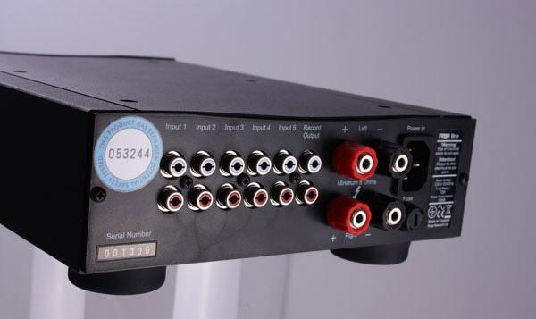 Ampli Brio-R & mâm than RP3: Cặp đôi lợi hại của Rega