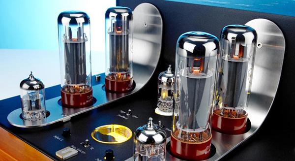 Các kỹ sư của Unison Research đã nghiên cứu là ráp mạch công suất của Triode 25 thành 2 chế độ hoạt động: Pentode và Triode